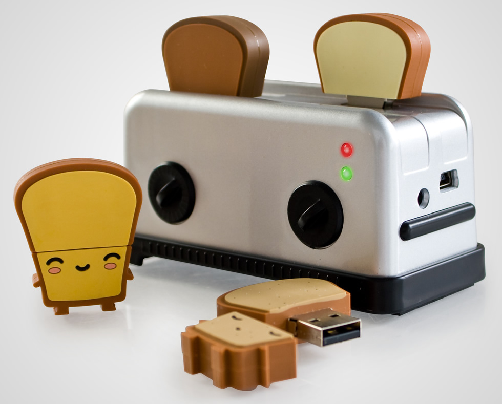usb-toaster-hb-with-toast-drives-sitting-out.jpg