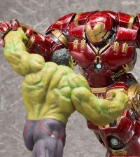 Kotobukiya Marvel's Avengers: Age of Ultron Figure Hulk vs. Hulkbuster Iron Man
