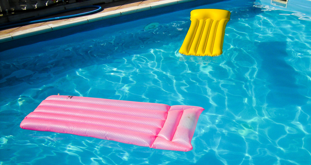 pool-floats