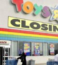 Toys R Us can't figure out how to go out of busin...