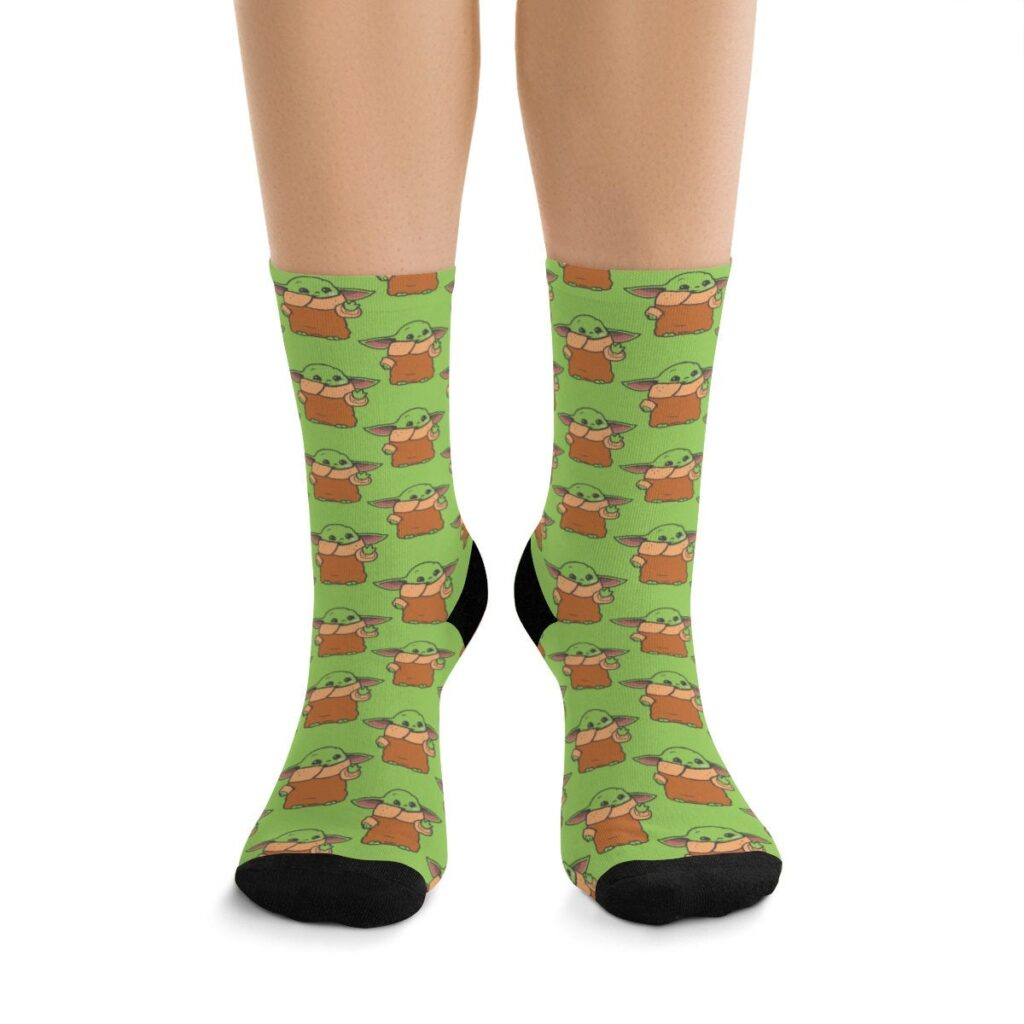 baby-yoda-socks